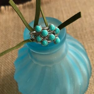 Jewelry - Gorgeous Turquoise and Silver Ring Size 7